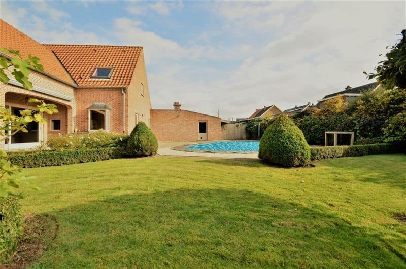 Villa for sale in Lippelo