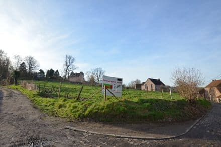Building land<span>915</span>m² for rent