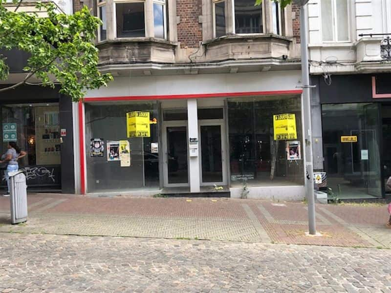 Office or business for rent in Charleroi