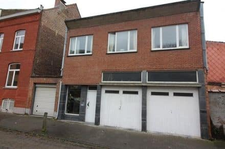 House<span>225</span>m² for rent