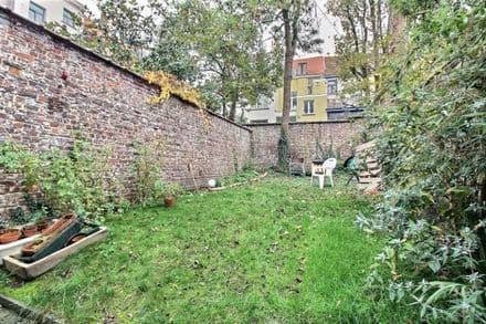 House<span>210</span>m² for rent