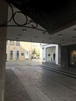Office or business<span>160</span>m² for rent Brugge