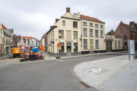 Office or business for rent Brugge