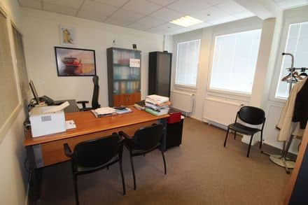 Office<span>214</span>m² for rent