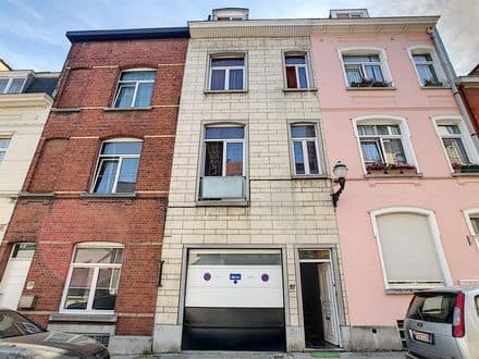 Investment property<span>184</span>m² for rent Jette