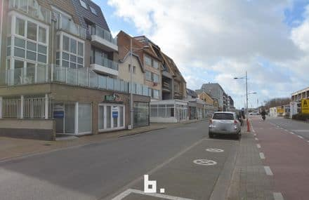 Business<span>90</span>m² for rent Bredene