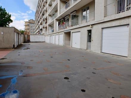 Parking space or garage<span>18</span>m² for rent Sint Jans Molenbeek