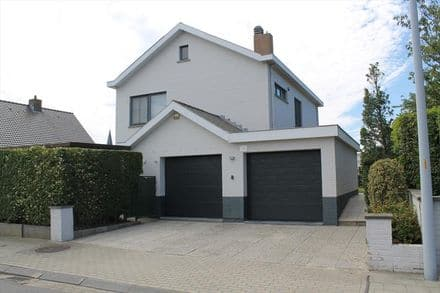 House<span>248</span>m² for rent Wenduine