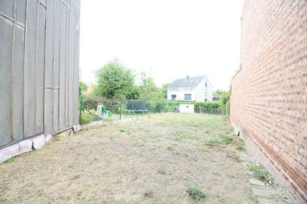 Building land<span>290</span>m² for rent