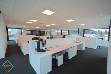 Office<span>700</span>m² for rent
