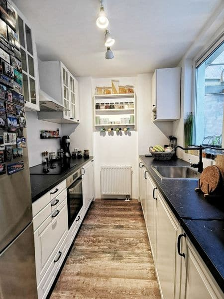 Terraced house for sale in Ostend