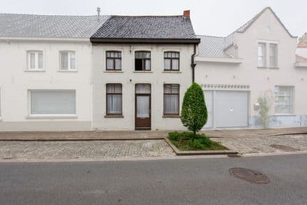 House<span>183</span>m² for rent