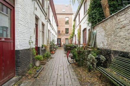 House<span>42</span>m² for rent Ghent