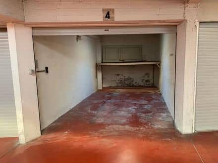 Parking space or garage<span>15</span>m² for rent Ostend