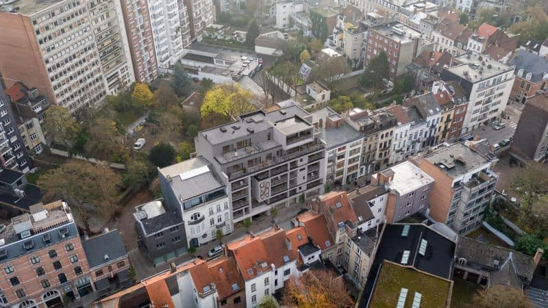 Studio flat for sale in Brussels