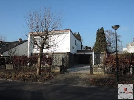 Villa<span>187</span>m² for rent