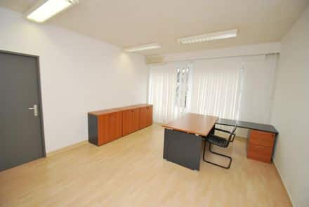 Office or business<span>22</span>m² for rent Elsene