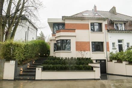 House<span>253</span>m² for rent