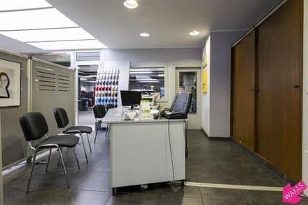 Business<span>1473</span>m² for rent