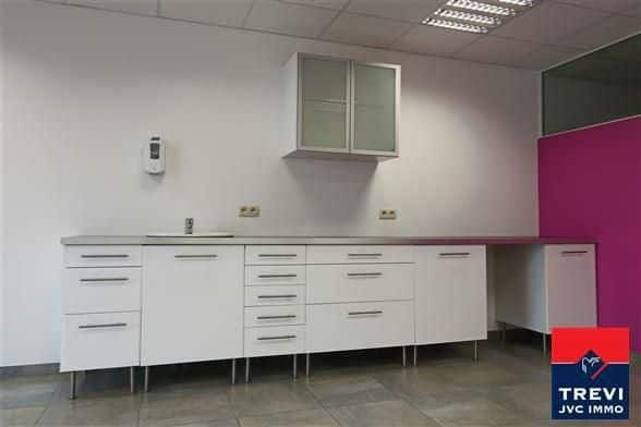 Office for rent in Waremme