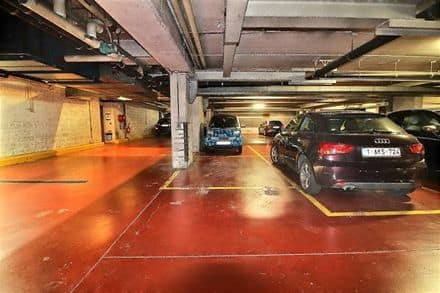 Parking space or garage<span>11</span>m² for rent