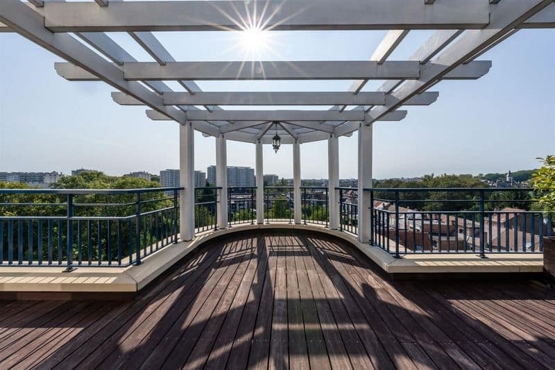 Penthouse for rent in Sint Lambrechts Woluwe