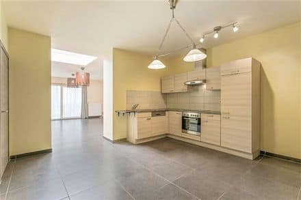 Ground floor flat<span>122</span>m² for rent