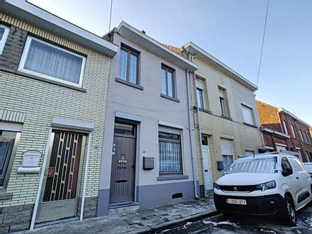 House<span>126</span>m² for rent Bassilly