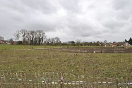 Building land<span>850</span>m² for rent