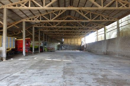 Industrial building<span>1381</span>m² for rent