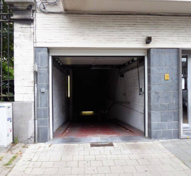 Parking space or garage for rent in Ghent