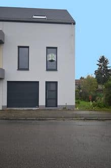 House<span>137</span>m² for rent Binche