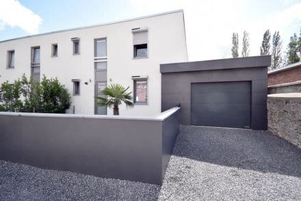 House<span>144</span>m² for rent
