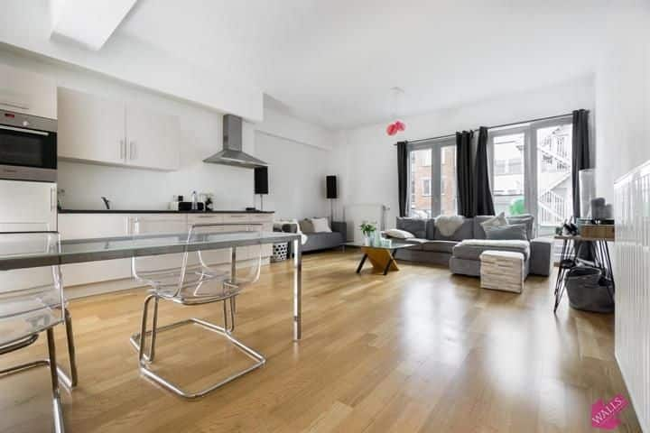 https://imgp.logic-immo.be/S1opLzL2sNF7KTgZIw70aY0ctsI=/fit-in/800x600/appartement-te-huur-in-antwerpen-09ca6f60b254c6e1ced2b3134be81fb9-365273159.jpg