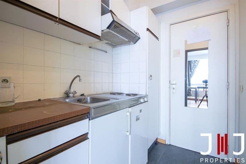 Studio flat for sale in Elsene