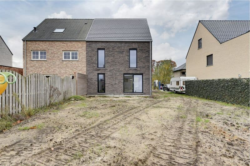House for sale in Ravels