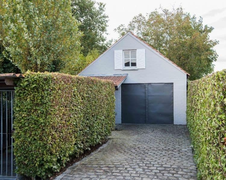 Villa for sale in Oeselgem
