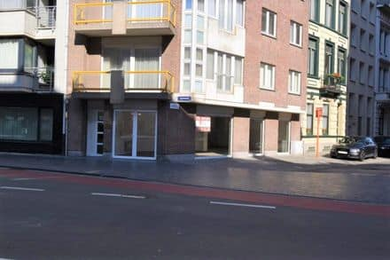 Business<span>100</span>m² for rent Ostend