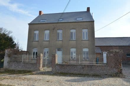 House<span>350</span>m² for rent