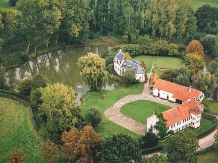 Castle<span>850</span>m² for rent