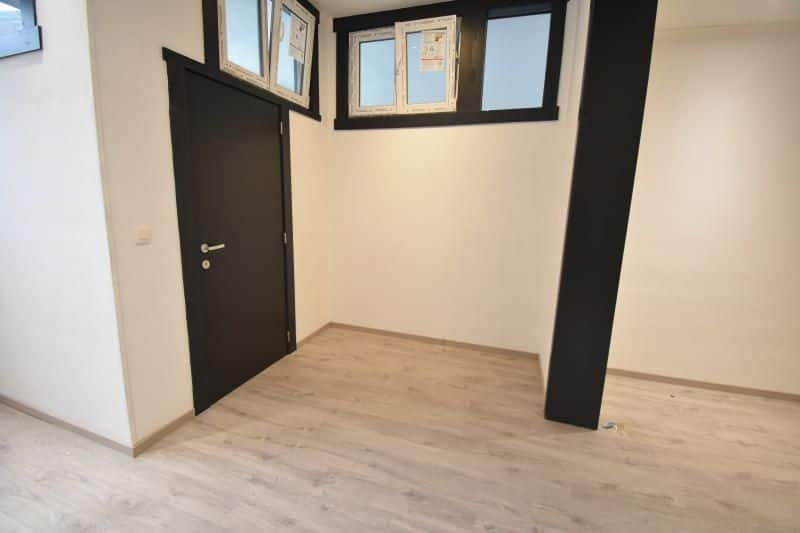 Office for rent in Jemappes