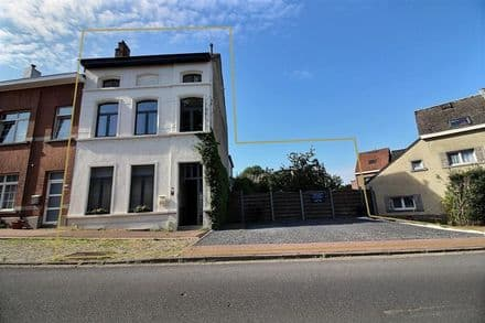 House<span>270</span>m² for rent
