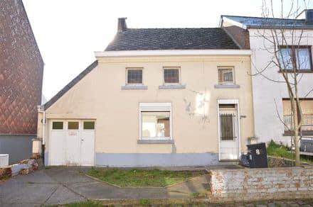 House<span>100</span>m² for rent