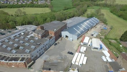 Warehouse<span>800</span>m² for rent