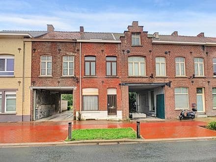 House<span>216</span>m² for rent Ronse
