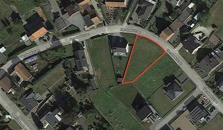 Land<span>676</span>m² for rent