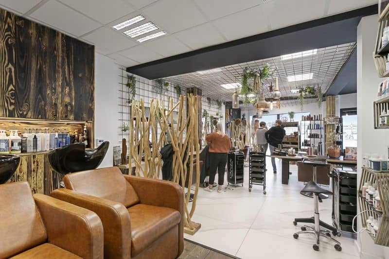 Office or business for sale in Roosdaal