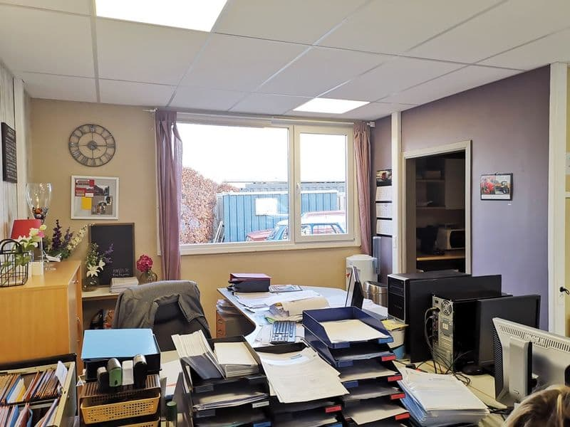 Office or business for sale in Walhain