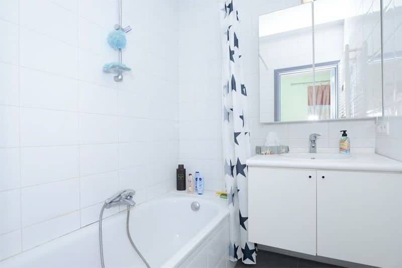 Ground floor flat for sale in Bevel