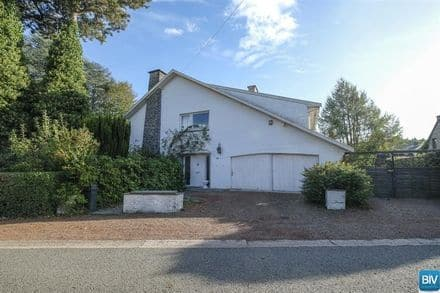 House<span>235</span>m² for rent Embourg